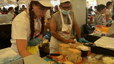 Более 50 сыроваров Подмосковья представят продукцию на фестивале «Сыр. Пир. Мир»