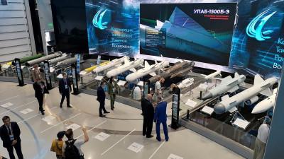 Екатерина Зиновьева посетила VII Международный военно-технический форум «Армия-2021»
