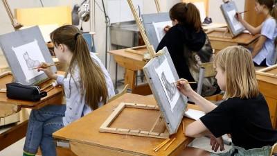 Главное за неделю в Подмосковье: вакцинация для иностранцев и набор в школы искусств