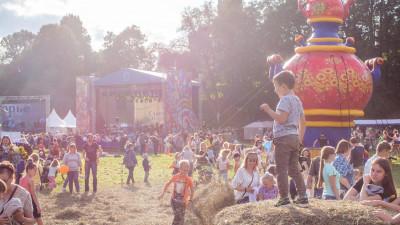 На фестивале народного творчества «Славянское подворье» в Подмосковье выступит более 1,5 тыс. человек