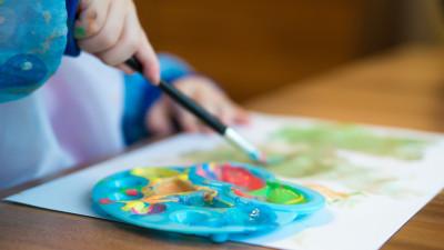 Почти 1,2 тыс. детей-сирот обрели семью в Подмосковье с начала года