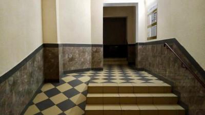 Ремонт подъездов по губернаторской программе выполнили почти на 50% в Подмосковье