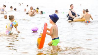 Результаты опроса среди родителей о наличии у детей навыка плавания подвели в Подмосковье