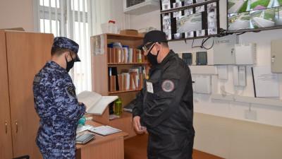 Сотрудники Росгвардии проверили частные охранные организации Подмосковья
