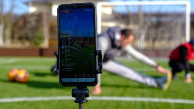 Онлайн-тренировка «Живу спортом дома»