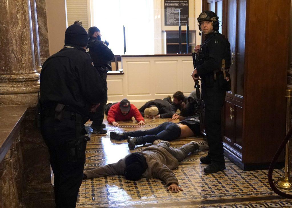 суициды полицейских в вашингтоне совпадения или зачистка