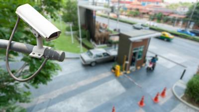 Украденный телефон нашли в Ленинском округе с помощью видеокамер
