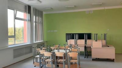 В новой школе в Электрогорске начали устанавливать мебель и оборудование