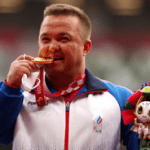 XVI Паралимпийские летние игры: Денис Гнездилов выиграл «золото» в толкании ядра и установил новый мировой рекорд
