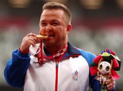 XVI Паралимпийские летние игры: Денис Гнездилов завоевал «золото» в толкании ядра и установил новый мировой рекорд
