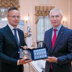 Олег Матыцин и Министр внешнеэкономических связей и иностранных дел Венгрии Петер Сийярто обсудили вопросы двустороннего сотрудничества в сфере спорта