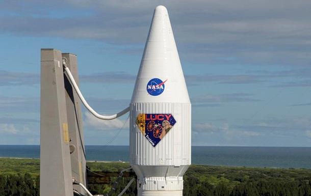 США запустили зонд Lucy для изучения астероидов