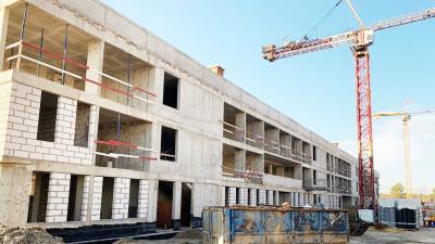 Строители приступили к фасадным работам на начальной школе «Физтех-лицея» в Долгопрудном