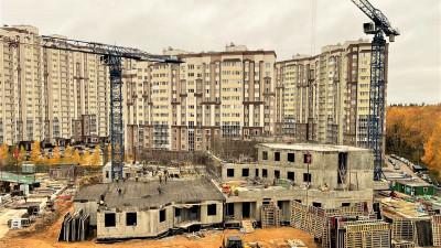 Третий этаж поликлиники начали возводить в Домодедове
